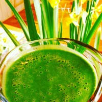 Bright & Balanced Banana-less Green Smoothie