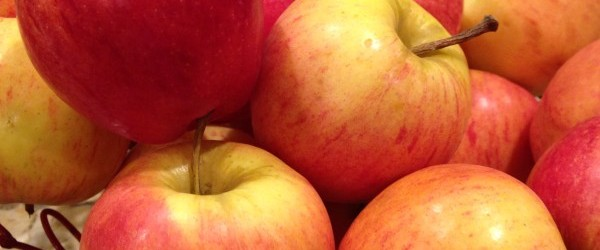 Autumn Apples: Sweet & Spice & Everything Nice Smoothie